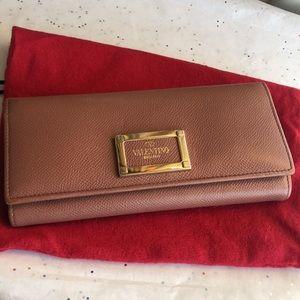 Valentino Garavani 🔥Leather Wallet